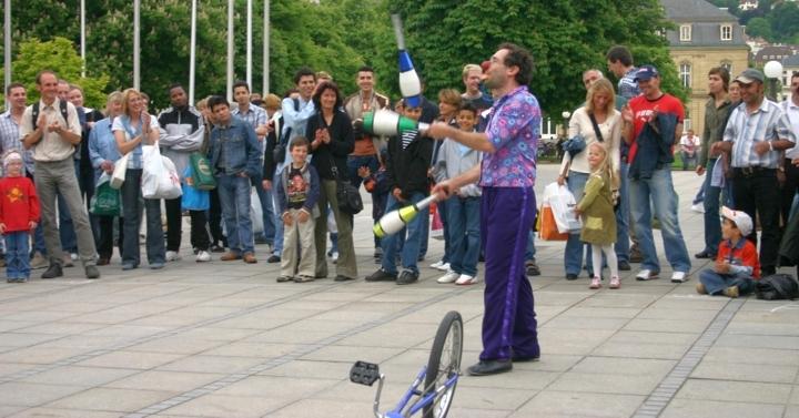 juggle-clubs