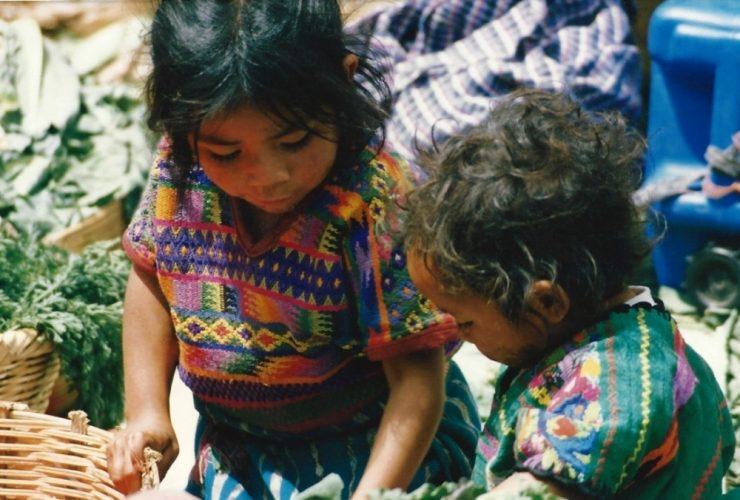 Guatemala-sisters-e1497054470420