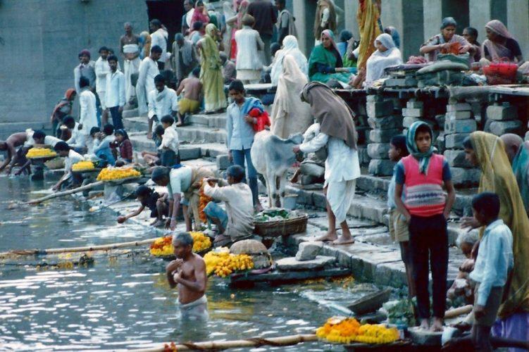 Varanasi-ganges-e1497053679855