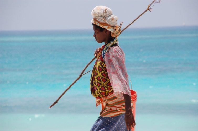 Zanzibar-woman-e1497053638434