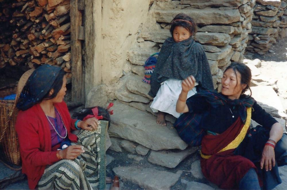 tibetans-nepal