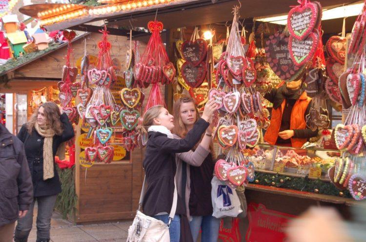 Christmas-market-shopping-e1497053264945