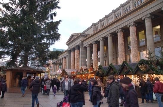 Christmas-market-schlossplatz-2